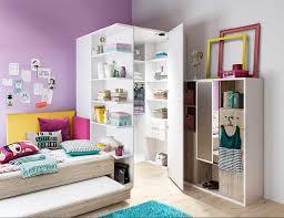 schlafzimmer mit schrã gestalten begehbarer eckkleiderschrank mit led beleuchtung und einige