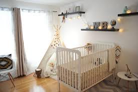 chambre de bébé avant après une chambre de bébé vintage bohème avec un tipi