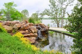 Dallas Arboretum And Botanical Garden Beaming Blooms Dallas Arboretum Botanical Garden Traveldefined