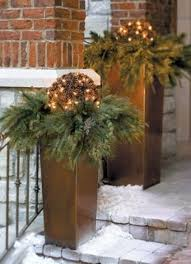 christmas outdoor decor 26 cool outdoor décor ideas with christmas lights digsdigs