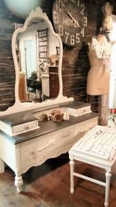 3 Vintage Furniture Makeovers For by Best 25 Refinished Vanity Ideas On Pinterest Vintage Vanity