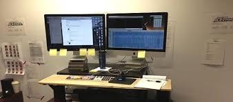 rehausseur de bureau le réhausseur ikea une alternative à l achat d un nouveau bureau
