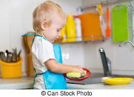 cuisine enfant garcon garçon cuisine plats lavage enfant rigolote plats images de