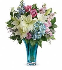 flowers and gifts teleflora s heart s pirouette bouquet in nepean on greenbank