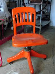 Modernizing Antique Furniture by Great Color To Modernize An Old Chair Très Bonne Couleur Pour