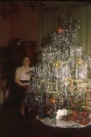 1960 s christmas tree lights christmas tree mom 18 flashbak