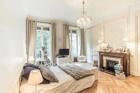 apartment u201cà la française u201d with parquet floors and fireplace for