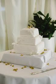 help me choose a wedding cake u2013 low budget bride edition weddingbee
