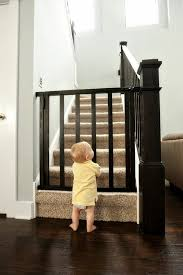 treppen kindersicherung kindersicherung treppe treppengitter kindergitter treppe