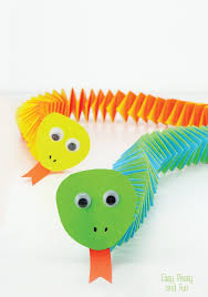 Easy Arts And Crafts For Kids With Paper - accordion paper snake craft easy peasy and fun
