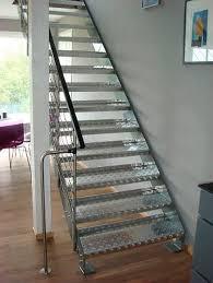 treppen aus metall gerade treppe gera stufen metall edelstahlgestell ohne