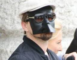 bauta mask leo dicaprio wears a bauta mask on in venice travel