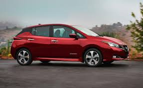 nissan leaf interior first look 2018 nissan leaf ny daily news