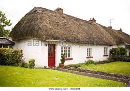 Thatched Cottage Ireland by White Thatched Cottage Red Door Stock Photos U0026 White Thatched