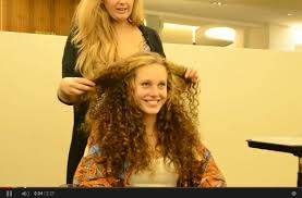 Frisuren Lange Lockige Haare by Oktoberfest 2014 Lang Lockig Die Az Zeigt Die Perfekte Wiesn