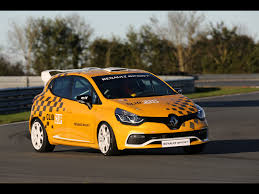 renault clio 2013 2013 renault clio rs 200 edc motion 1 1920x1440 wallpaper