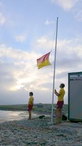 What Does Red Flag Warning Mean Beach Lifeguard Flag System Cork Water Safety