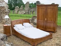 chambre en merisier chambre à coucher merisier massif chambre de style louis philippe