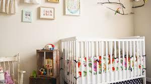 lit bébé chambre parents chambre de bébé décoration et aménagement côté maison