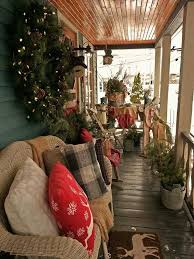 Christmas Decorations For Screened In Porch by Best 25 Winter Porch Decorations Ideas On Pinterest Christmas