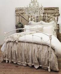 Iron And Wood Headboards by 25 Delicate Shabby Chic Bedroom Decor Ideas Shelterness