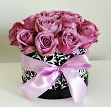 chicago flower delivery www flowersbygeo roses macaroons luxury flowers