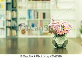 plante de bureau plante fleur bureau artificiel table photo de stock