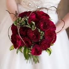 wedding bouquet the 6 most popular types of wedding bouquets