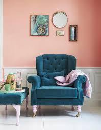 schlafzimmer schöner wohnen exquisit apricot wandfarbe sessel bilder ideen couchstyle