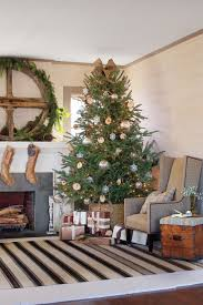 watch when to put up the christmas tree southern living