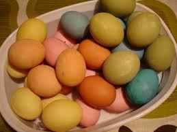 how to dye easter eggs homemade the old farmer u0027s almanac