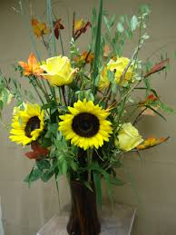 make a flower arrangement that welcomes fall flower
