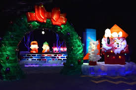 charlie brown christmas lights mousesteps gaylord palms ice 2016 opens with a charlie brown