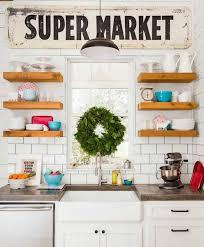 cuisine avec etagere etagère étagere cuisine flottante décorer cuisine avec meuble idée