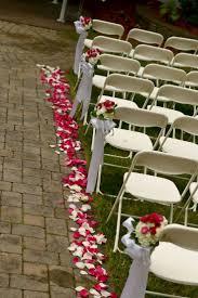 Romantic Bedroom Ideas With Rose Petals Best 25 Rose Petal Aisle Ideas On Pinterest Flower Petal Aisle