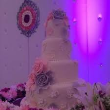 wedding cake qatar le macaron qatar wedding cakes doha zafaf net