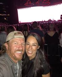 chip and joanna gaines facebook chip and joanna gaines explain why they quit u0027fixer upper u0027