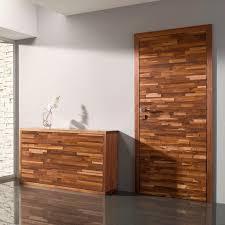 porte interieur en bois massif porte intérieure battante en bois massif laminée relief