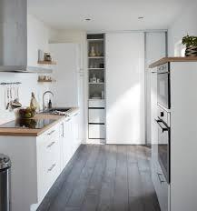 parquet dans une cuisine quel parquet choisir pour la cuisine