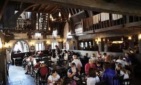 Hogwarts Dining Hall by The Three Broomsticks U0026 Hog U0027s Head Quick Service At Hogsmeade