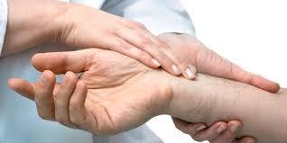 schmerzen in der handfläche karpaltunnelsyndrom so schmerzt die nicht mehr