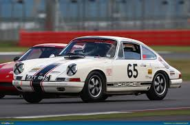 rothmans porsche 911 ausmotive com porsche 911 sets world record at silverstone classic