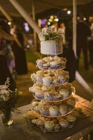 wedding cakes in gold coast un iced wedding cakes geelong