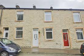 2 bedroom terraced house for sale in church street read bb12