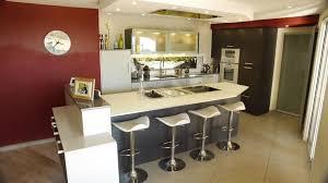cuisine avec ilot bar modele cuisine avec ilot bar 5 cuisine ouverte avec ilot top