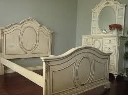 Bedroom Sets White Cottage Style Bedroom Shabby Sheek Bedroom Design With Paint Bed And White