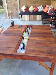 Outdoor Pallet Table Diy Icebox Outdoor Pallet Table Mixed Stew