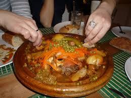 la cuisine marocain se réunir autour d un bon diner et faire découvrir à ses convives