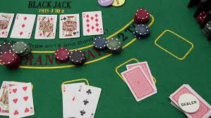 Texas Holdem Table by Poker Table Texas Hold U0027em Poker Chips Professional Dolly Shot