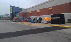 best buy black friday store deals tent city u0027 line grows in front of saginaw best buy overnight